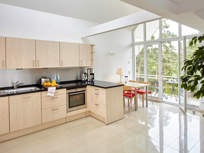 6_051 küche mit essplatz superior | Komfort-Wohnen-Baabe